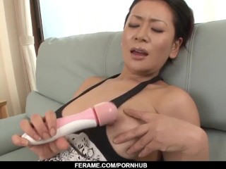 Mummy is encountered with dealing 2 youthfull spunk-pumps