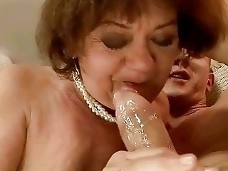 Ugly grandma gets her hairy pussy fucked