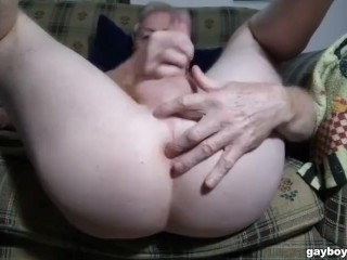 Elderly boy fapping with soles up in web cam