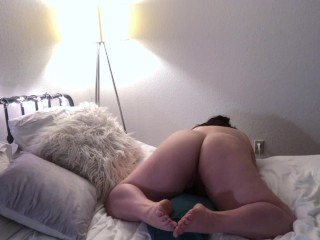 Chesty bootylicious plumper cushion poking ejaculation