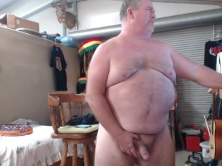 Father wank off in garage