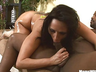 Big Ass MILF Vannah Sterling Riding And Fucking