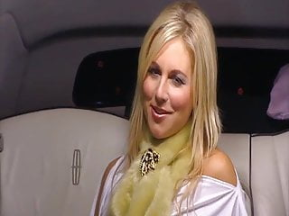 Tone & taunt with Abi Titmuss - Extras 1