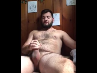 Jerk off youthfull and luxurious bear