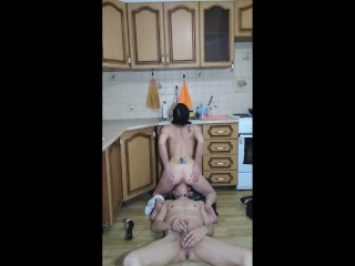 Obedient sub munches puss of domina. Facesitting. Woman supremacy