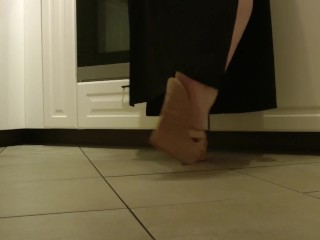 Angelas high-heeled slippers plumper Cooking in ass-plug tucks mules - Barefeet Ed.