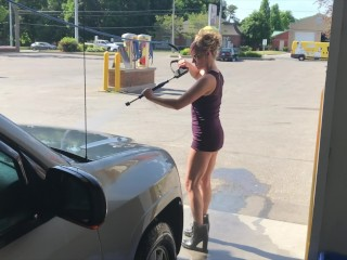 Wifey IN MINI micro-skirt HIGH high-heeled shoes showcasing good rump AT OUTDOOR CARWASH