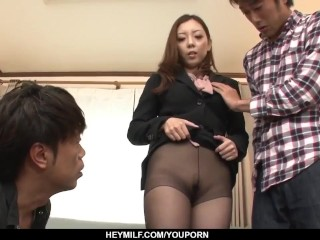Maki Mizusawa unveils her whorey side in a sizzling 3 - More at Japanesemamas.com