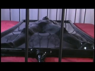 Solo in a spandex vacbed