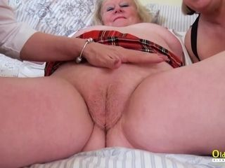 OldNannY Mature 3some sapphic getting off