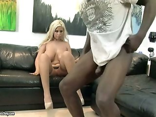 Thirsting African fellow eats sweet pussy of stacked blond mommy