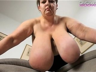 Russian plumper wiggles her big udders