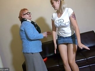Tall coed with knockout curves lets this old whore lick her pussy