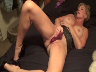 Little Linda plays with herself part trio