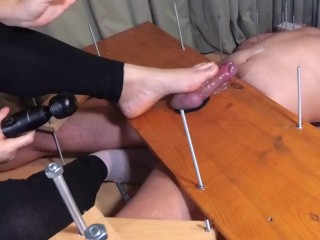 Amateur woman dominance.A little solesjob.massager destroyed ejaculation