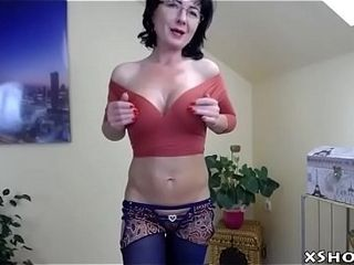 Cougar Cute MILF Webcam dissimulate