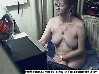 Cam Sex-Lovely Granny with Glasses Free Webcam Porn