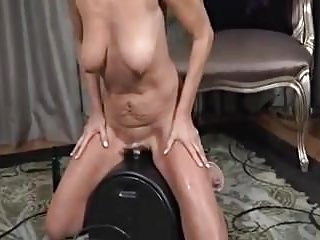 Payton building -Sybian warm-up