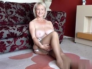 Golden-Haired ample tit senior Solo onanism