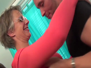 Blonde shorthair French mature in glasses booty-fucked