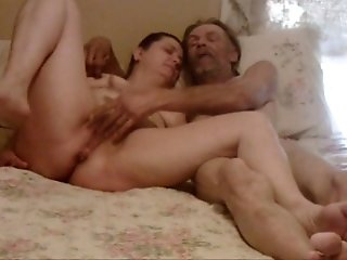 Chubby mature wifey and her hubby enjoy oral pleasures on the bed