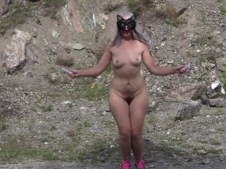 Nude doll with hairy honeypot pouncing cable outdoors