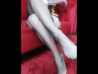 Gams, nylons and soles taunt