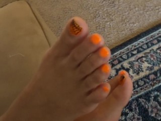 Wifey finally let me make vids of her soles.