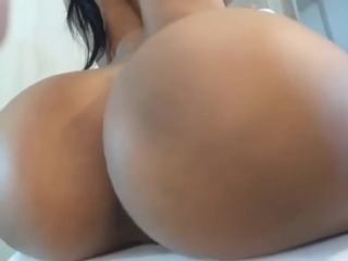 Wealthy dark haired damsel displaying off on camera wen with a deliciou