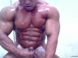 XXL Muscles lubed Up and draining til he jizzes