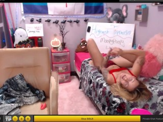 Pretty doll gargles her soles in couch while online on web webcam (self toes idolize