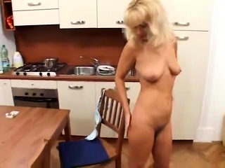 Jaw-dropping european ash-blonde solo fapping