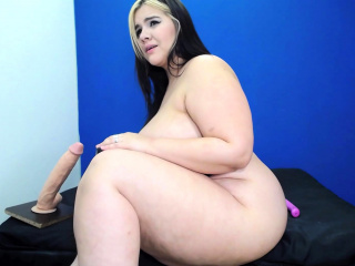 Solo of Petra plumper milf from Amsterdam