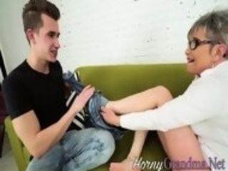 Soles deep-throated grannie gets torn up