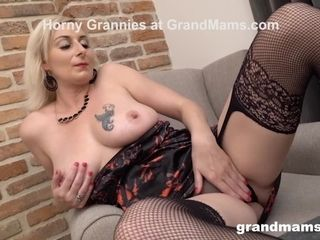 Mature milf jaws Creampied by Muscle Gigolo