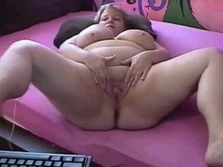 Plus-size mature from webwebcamhooker.us frigs cooch on webcam
