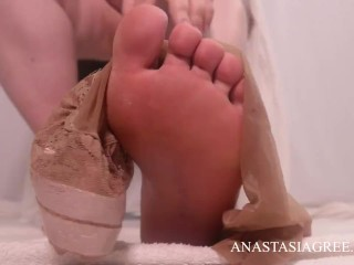 Adore my soles in tights