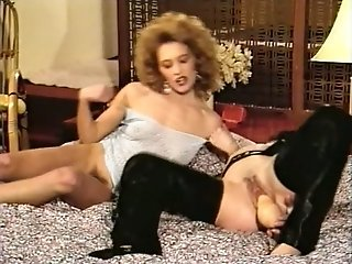 Sex insane vintage housewife fucks her twat and anal hole with two sex toys