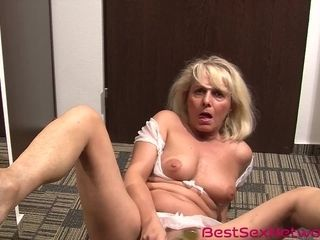 Grandmother opens up gams on the floor and playthings her honeypot in 4K