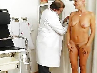 Blondes mama gyno plus a little extra