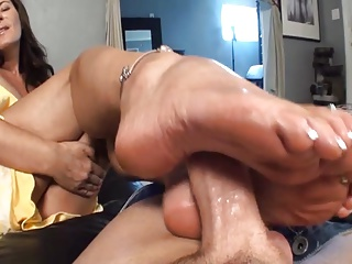 My girlfriend Mom footjob