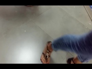 Candids soles europe youthfull mother at the mall toes sandals close ups